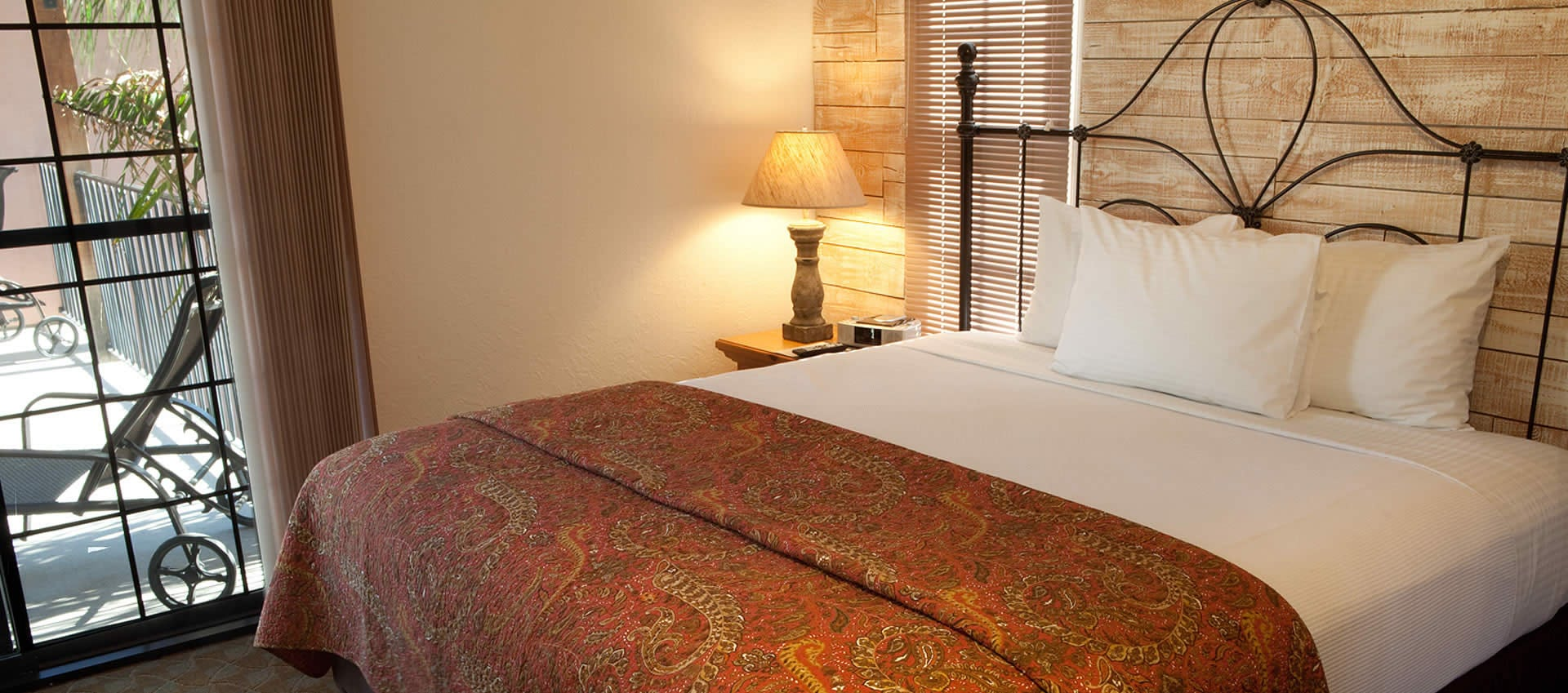 The Townhouse room Spacious King Bed
